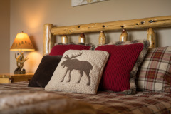 Sleep like a Baby in this king size bed, Quality Bedding, Hight Thread Count Linens and Pillow Top Mattress